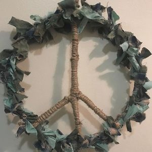 Peace sign wall hanging ☮️